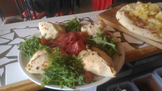 Romilly-sur-Seine, França: La Trattoria, Pizzerie Le Fournaise