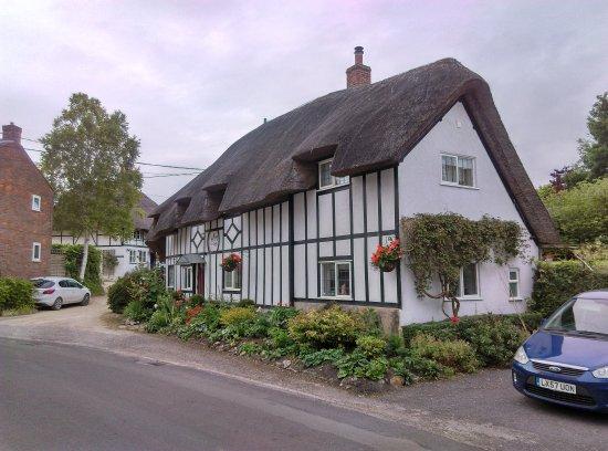 Letcombe Regis, UK: The Greyhound Inn