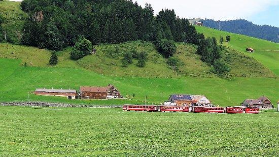 Appenzeller Bahnen: Die Bahn in der Landschaft
