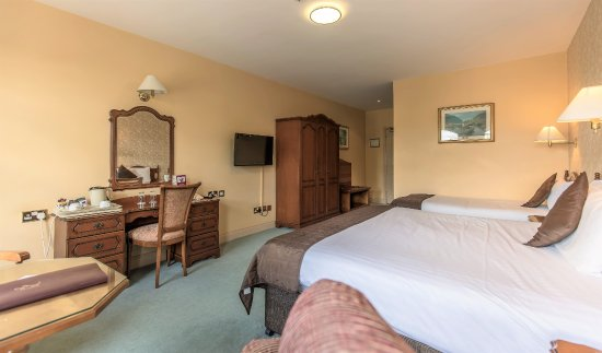 Brook Lodge Hotel: Superior Room