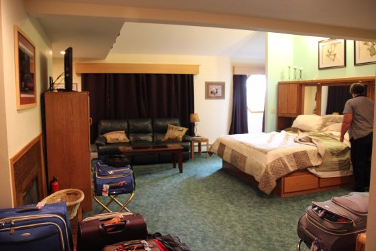 Alaska House of Jade Bed and Breakfast Picture