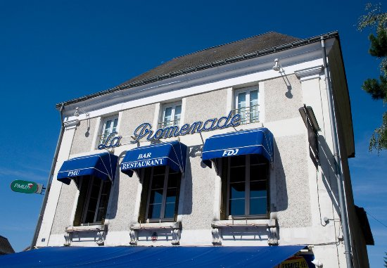 Dange-Saint-Romain, Fransa: Bar PMU Restaurant La Promenade