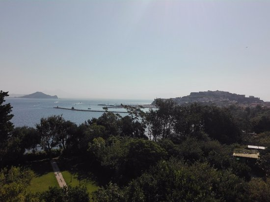 panorama dalla terrazza Residence Tirreno Procida (NA) - Foto di ...