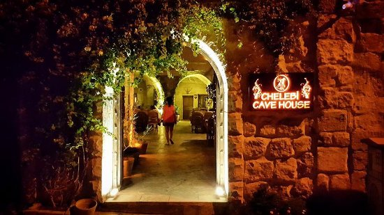 Chelebi Cave House: The main entrance to the hotel from the street.