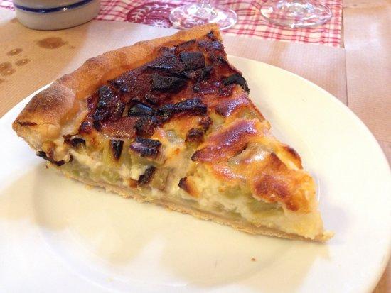 Soultzeren, France : Tarte à la rhubarbe