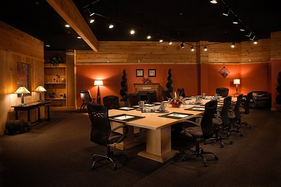Acme, MI: Northwoods Room- Meeting Space