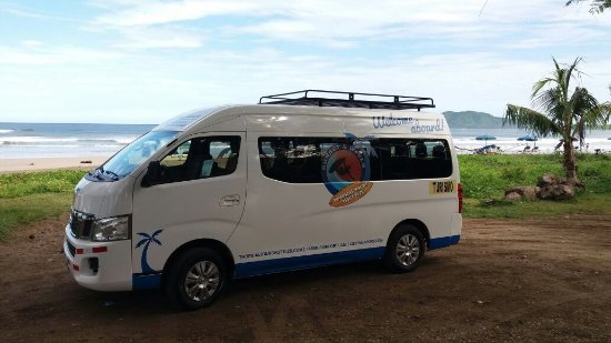 Montezuma, Costa Rica: Shuttle Bus at Tamarindo beach