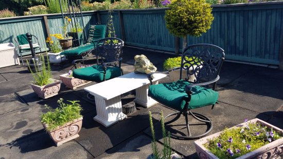 Dayton, WA: Beautiful roof top garden/sitting area
