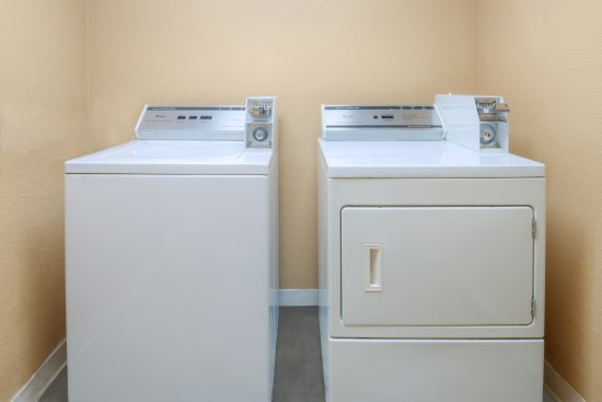 Farmers Branch, TX: Guest Laundry