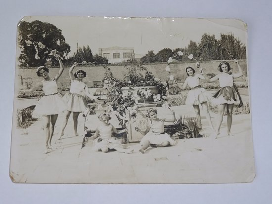 Prittlewell Priory: August 1939 Old Worlde Garden