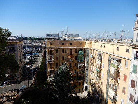 Amico Hotel: Room 702