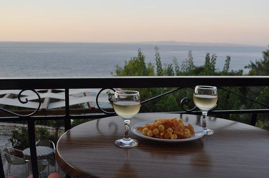 Villa Contessa: Aperitivo sul balcone della camera