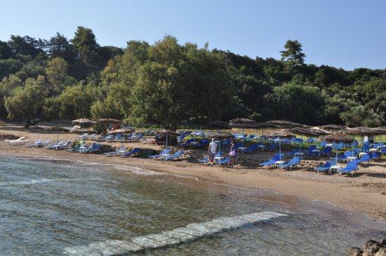 La spiaggia di Porto Kaminia (spiaggia vicina a Villa Contessa )
