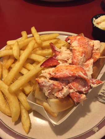 Lobster Boat Restaurant: photo1.jpg