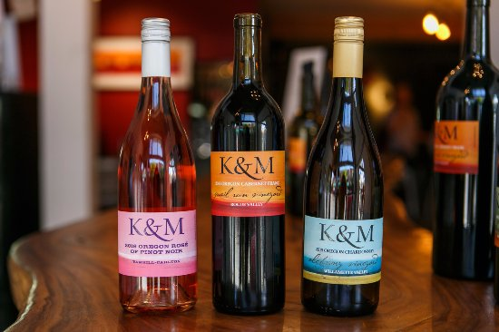 Carlton, ออริกอน: Some of our lineup: Rose' of Piot noir, Cabernet Franc and Chardonnay