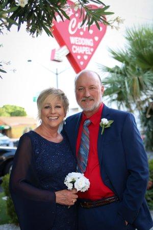 Cupids Wedding Chapel Bill And Linda Sign