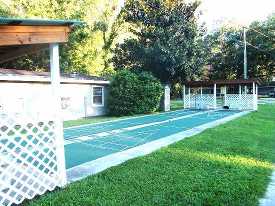 Wildwood, FL: Shuffle Board