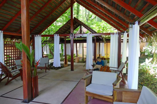 Namuwoki Lodge: The lounge area