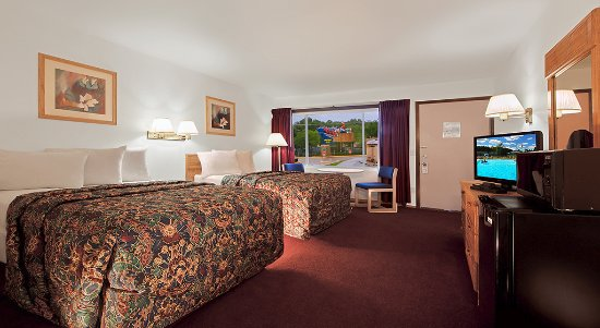 Shamrock Motel Resort & Suites: Free Noah's Ark! Superior Room - 2 Double beds