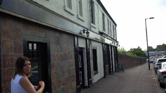 Coatbridge, UK: Outside the bar