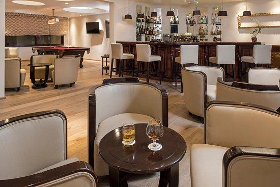 Iberostar Grand Hotel Rose Hall: Bar