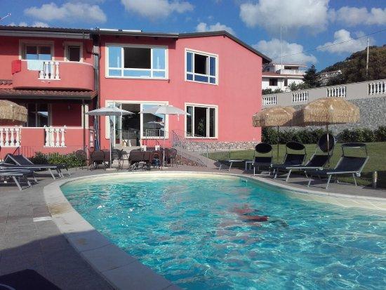 Santa Domenica, Italië: Zona piscina