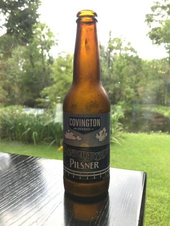 Marrero, Λουιζιάνα: A local beer with a beautiful view of the backyard bayou!