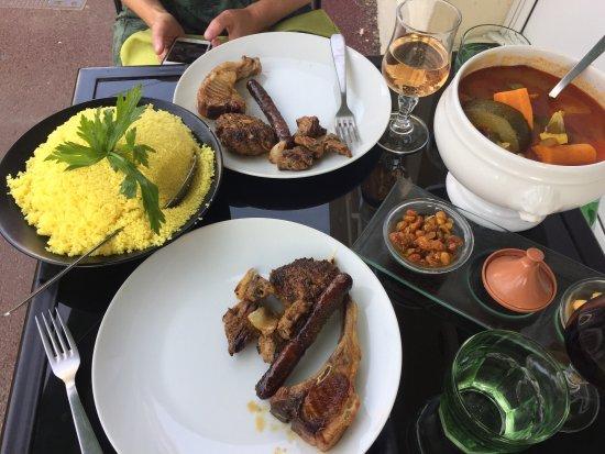 Le Marrakech : Prachtige en heerlijke Couscous Royal