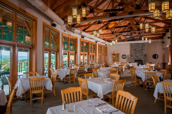 Dundee, NY: Dining Room at Veraisons Restaurant