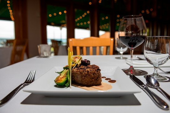 Dundee, NY: Filet Mignon Entree at Veraisons Restaurant