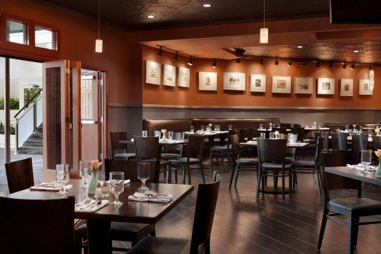 Saint Louis Park, MN: Dining Room