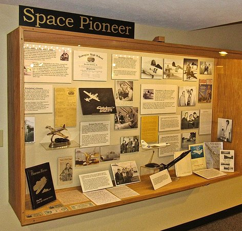 Dowagiac, MI: Korean War jet Ace, Captain Kincheloe piloted the first X-2 in space