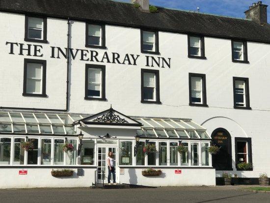 The Inveraray Inn: Frente do hotel