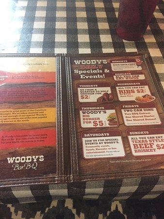 Red Deer, Canada: Woody's Bar-B-Q