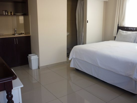 En-Suite private Rooms at Ballito Backpackers