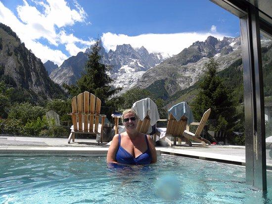 Prato alpino ai piedi del monte bianco foto di auberge for Auberge de la maison courmayeur tripadvisor