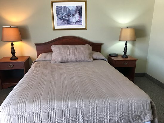 Mindemoya, Канада: New carpets newly renovated