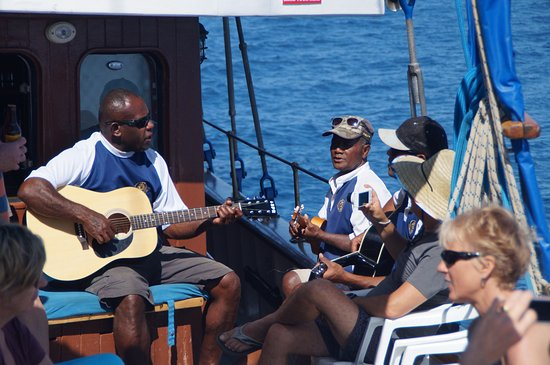 Denarau Island, Fiji: Being entertained by the wonderful crew