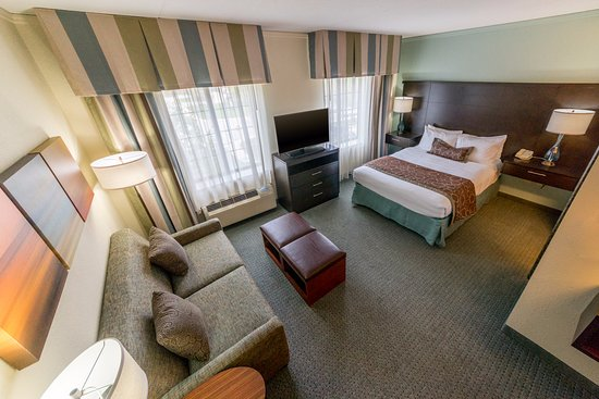 Glen Mills, Pensilvania: Studio Suite with One Queen Bed & a Pullout Sofa Bed