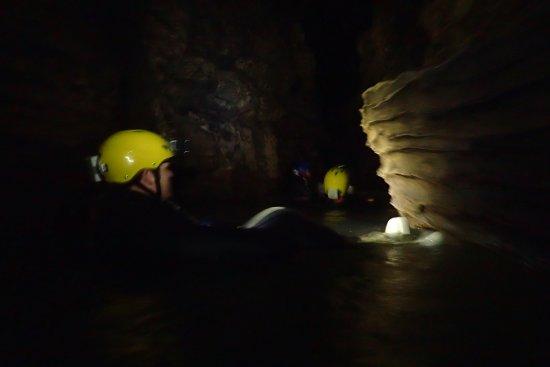 Waitomo Glowworm Caves: going thru the caves