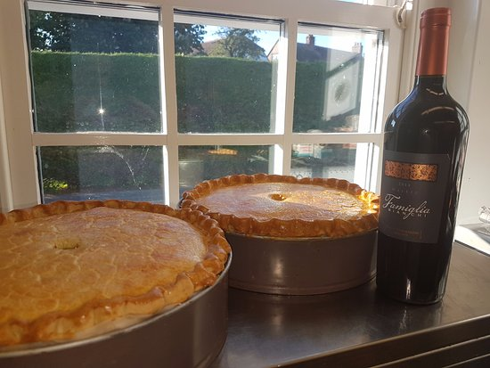 Wittersham, UK: steak and ale pie paired with Malbec
