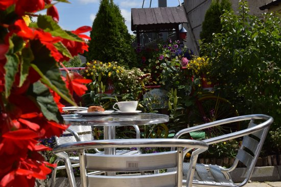 Ballyconnell, Irlandia: Terrace - outdoor eating