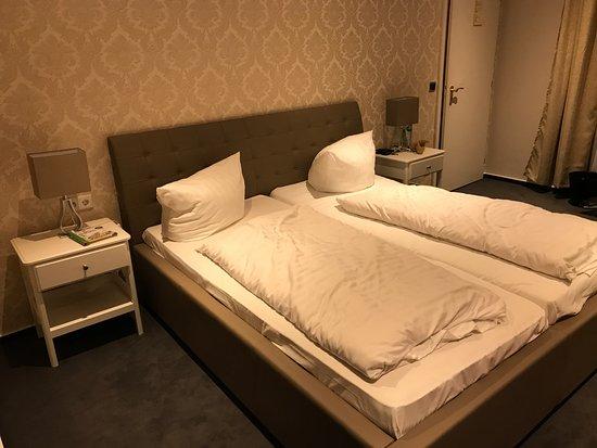 Asendorf (Harburg), Germany: grosses Bett