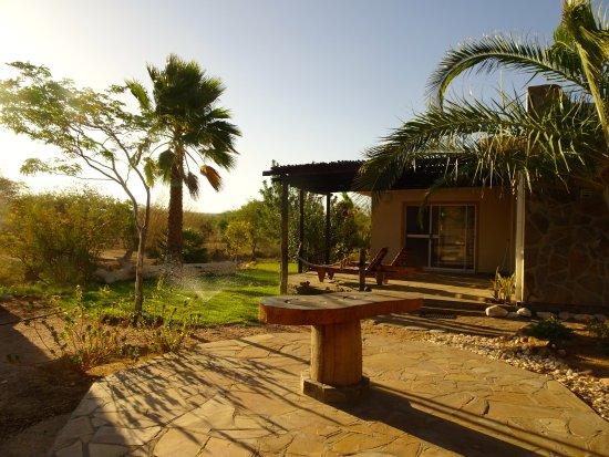 Usakos, Namibia: Terrasse in der Abendsonne
