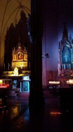 Santuario Santa Valeria: luci all'nterno del santiario