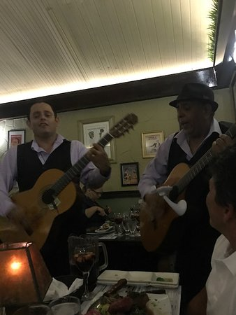 El Gaucho Argentine Grill: Choose a song!