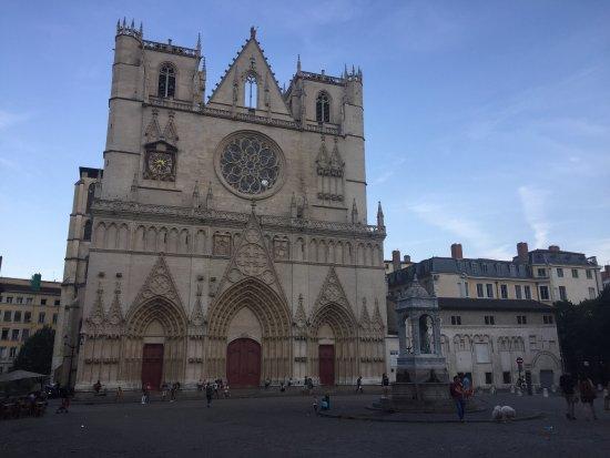 Cathedral Saint Jean Baptiste: photo0.jpg
