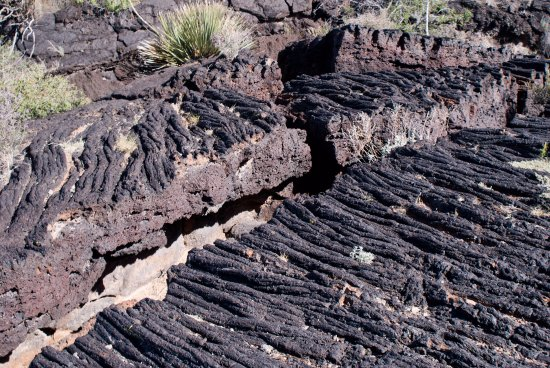 Valley of Fires Recreation Area: A large crack in the lava