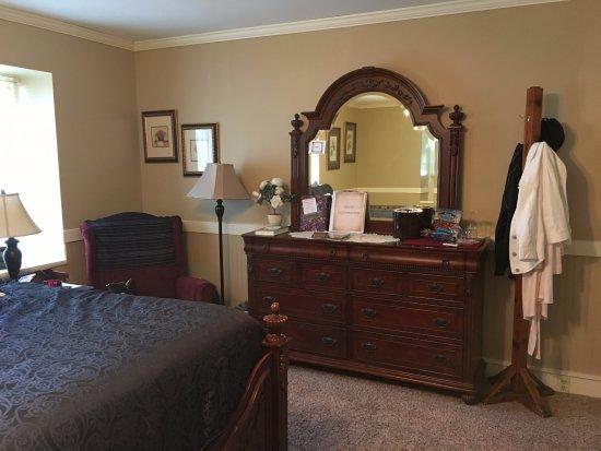 Homestead, IA: Room #8. Spacious and lovely.