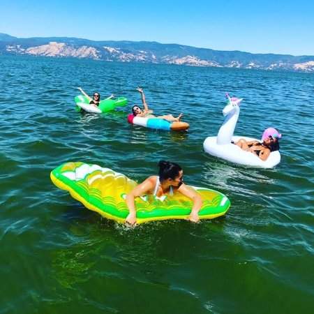 Lakeport, Californië: Floaties!